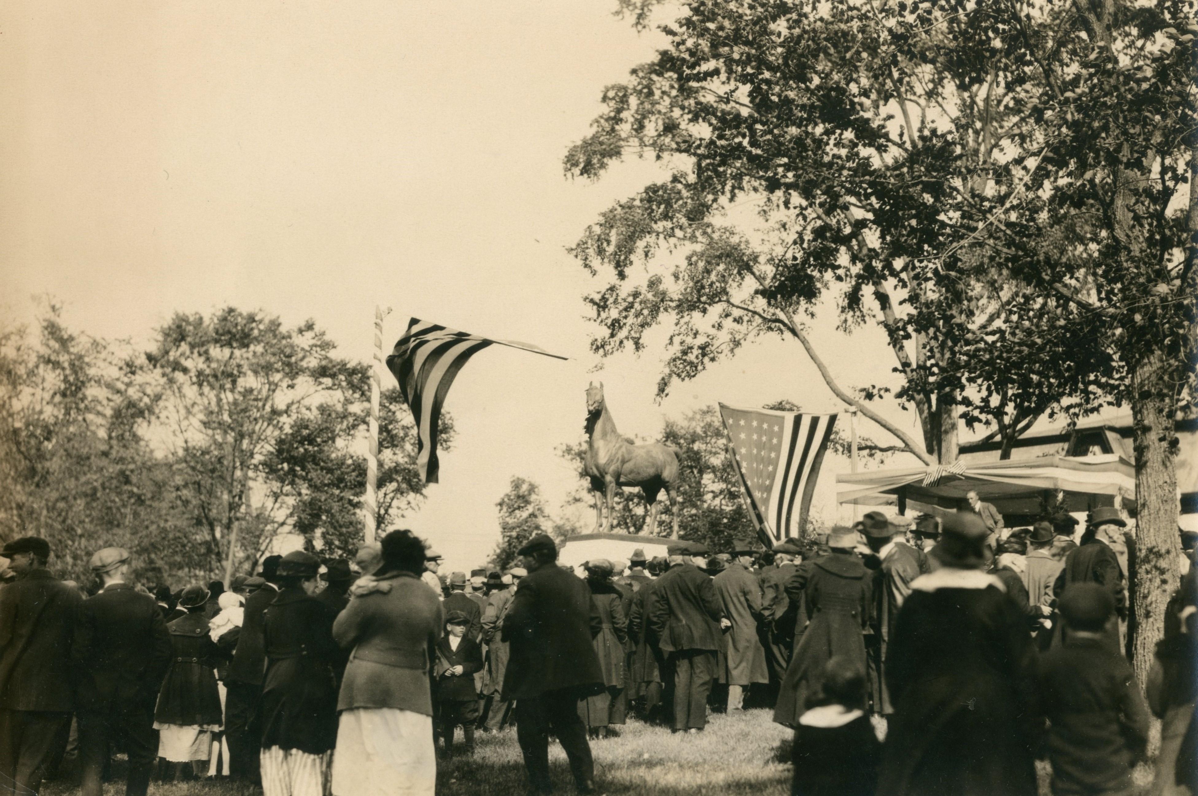news_jm-statue-1921.jpg